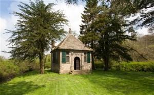 Walton Fishing Hut